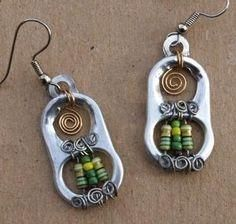 Pull Tab & Electronics Resistors by Junksmith. Now that's recycling- Wire Wrapped Jewelry, Wire Jewelry, Jewelry Crafts, Beaded Jewelry, Jewelery, Jewelry Ideas, Earrings Crafts, Key Jewelry, Beaded Earrings