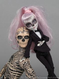 Zomby Gaga by Monster High and the Born This Way Foundation Custom Monster High Dolls, Monster Dolls, Lady Gaga Doll, Zombie Crafts, Crazy Toys, Monster High Characters, Pink Bubbles, Barbie, Creepy Dolls