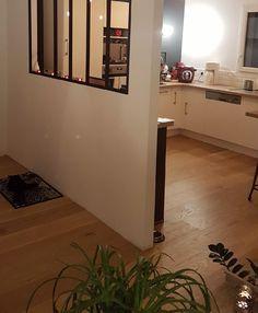 Et si l'atout charme de votre maison était ... votre magnifique parquet ! Contactez L'Atelier des sols pour définir votre projet ! Pose Parquet, Stairs, Curly Hairstyle, Naturally Curly, Inspiration, Curly Bob, Furniture, Home Decor, Instagram