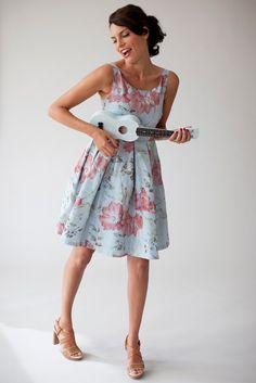 Dress Marilyn in blue pink flower jacquard fabric
