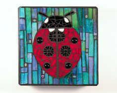 Ladybug by Cherie Bosela Mosaic Animals, Mosaic Birds, Mosaic Wall Art, Mosaic Diy, Mosaic Garden, Mosaic Crafts, Mosaic Projects, Mosaic Ideas, Mosaic Mirrors