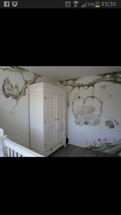 Soooo lovely babyroom! I want it when i have babies haha