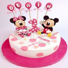 Minnie mickey pasta, minnie mickey doğum günü pastası, butik pasta, çocuk pastaları #minnie #mickey #minimiki #minniepasta #mickeypasta #butikpasta #çocukpastası #doğumgünüpastası