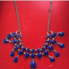 Gorg blue statement necklace This makes quite the statement! Beautiful blue statement necklace in great condition. Jewelry Necklaces