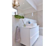 Rokfort Home (@rokforthome) • Instagram-fényképek és -videók Bathtub, Vanity, Interior Design, Bathroom, Instagram, Home, Standing Bath, Dressing Tables, Nest Design