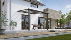 Met dit bouwpakket maak je een mooie aluminium overkapping voor boven je terras. Deze Compact Line aluminium terrasaanbouw heeft een afmeting van 304 x 250 cm en is voorzien van twee staanders. De staanders hebben een ingebouwd hemelwaterafvoersysteem. Verder is de terrasoverkapping voorzien van heldere polycarbonaten dakplaten. Daarnaast laat een heldere plaat meer licht door dan een plaat van melkwit polycarbonaat, waardoor je veel zon vangt op je terras. #veranda Pergola Aluminium, Gazebo, Compact, Outdoor Structures, Patio, Garden, Outdoor Decor, Home Decor, Light Scattering