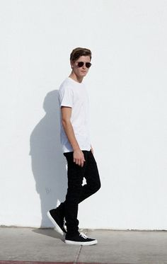 Be the first to shop American Apparel's new styles, new colors and new prints for men. More clothes and accessories fresh from Los Angeles. Modern Fashion, Retro Fashion, Men's Fashion, Men's Outfits, Fashion Outfits, Light Style, Urban Street Style, Ken Doll, Sharp Dressed Man