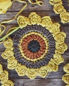 The most beautiful Crochet basket and straw models Crochet Diy, Crochet Motifs, Crochet Circles, Crochet Flower Patterns, Crochet Squares, Crochet Home, Crochet Granny, Crochet Crafts, Crochet Doilies