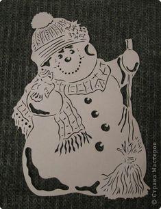Картина панно рисунок Новый год Вырезание Снеговик с птичкой Бумага фото 1