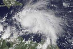 Un nuevo huracán se abre paso por el Caribe. Hace menos de 24 horas Matthew alcanzó el nivel de tormenta...