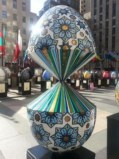 #bigegghuntny - sponsored by my favorite, Faberge - 270+ eggs scattered around NY. The app had major issues, a lot of the QR Codes had issues, but overall a fantastic eggfort. The eggs were stupendous.  One of my faves, called Glitch in Reality - and plenty of the highlights here:  https://www.facebook.com/media/set/?set=a.10202859065372127.1073741863.1066599274&type=1&l=d1d37c59a3
