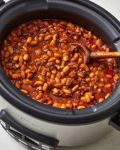 Baked Beans Crock Pot, Best Baked Beans, Slow Cooker Baked Beans, Baked Beans With Bacon, Homemade Baked Beans, Baked Bean Recipes, Slow Cooker Recipes, Vegetarian Baked Beans, Beans Recipes