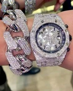 Diesel Watches For Men, Wooden Watches For Men, Luxury Jewelry, Modern Jewelry, Rapper Jewelry, Gold Diamond Watches, Amazing Watches, Expensive Jewelry, Cute Jewelry