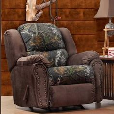 Chelsea Home Littleton Recliner - Mossy Oak / View Walnut