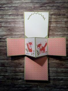 Popup Panel Card mit Foxy Friends und Bannerweise Grüße in Olivgrün, Flüsterweiß, Calypso, Espresso und Wildleder