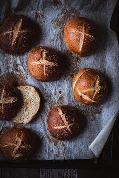 Pretzel-sämpylät – Viimeistä murua myöten Pretzel, Margarita, Muffin, Eggs, Bread, Baking, Breakfast, Food, Morning Coffee