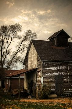 Reminds me of my grandparents barns