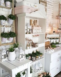 Home For The Holidays, Simply Christmas Tour! Gift Shop Interiors, Flower Shop Interiors, Flea Market Decorating, Decorating Your Home, Diy Home Decor, Small Space Interior Design, Interior Design Living Room, Gift Shop Displays, Flower Shop Design
