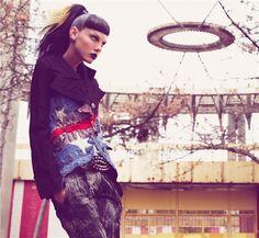 Vogue Paris (September 2006), Le Jeu (The Game), Craig McDean, Angela Lindvall, fashion, style, clothing