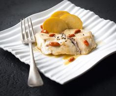 Une assiette d' #escalope de #maigre et ses #baies