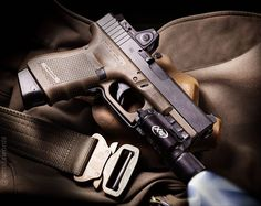 Manufacturer: Glock Mod. G19 Gen4 Type - Tipo: Pistol Caliber - Calibre: 9 mm Capacity - Capacidade: 15 Rounds Barrel length - Comp.Cano: 4 Weight - Peso: 595...