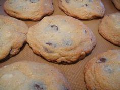 Macadamia Nut Cookies with Dark Chocolate   Cooks and EatsCooks and Eats