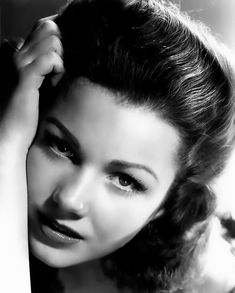Young Estelle Getty   all hail anne baxter queen of the breathy bad girls