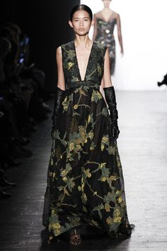 Dennis Basso Fall 2016 Ready-to-Wear Collection Photos - Vogue