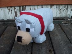 Minecraft inspired Wolf / Dog by babeedahl on Etsy Minecraft Wolf, Minecraft Anime, Minecraft Party, Wolf Plush, Pokemon, Minecraft Bedroom, Plush Dolls, Sewing Projects, Handmade Gifts