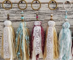 Textile Jewelry, Fabric Jewelry, Diy Jewelry, Jewelry Making, Yarn Crafts, Fabric Crafts, Diy And Crafts, Arts And Crafts, Diy Tassel