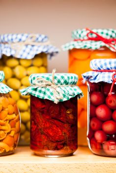 Successful canning starts with proper jar sterilization. Here's how to do it correctly: 1. Don't use canning jars with chips or cracks. 2. Wash jars, lids, & screw bands in hot, soapy water & rinse well. 3. Place empty jars in a large pot & cover with water. 4. Bring to a boil over high heat for 15 mins. 5. Turn off heat. If you are not ready to fill the jars, they can stand in the hot water for up to an hour. Any longer & you'll need to sterilize them again.