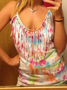 Tie-dye t-shirt with a fringe around the collar. #DIY