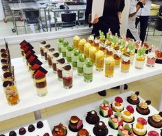 Unique Wedding Catering Ideas for the Big Day – MyPerfectWedding Mini Dessert Cups, Dessert Bars, Dessert Table, Raw Food Recipes, Cake Recipes, Dessert Recipes, Detox Recipes, Fancy Desserts, Wedding Desserts