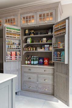 Kitchen In, Studio Kitchen, Kitchen Cabinets In Bathroom, Kitchen Cabinet Design, Kitchen Decor, Kitchen Ideas, 1970s Kitchen, Vintage Kitchen, Cheap Kitchen