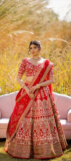 Lehenga Choli Online, Bridal Lehenga Choli, Girls Dresses, Sari, Indian, Crop Tops, Skirts, How To Wear, Stuff To Buy
