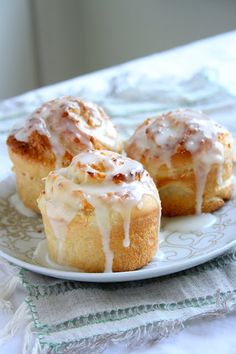 collecting memories: Sticky Coconut Rolls  I want to try this with Denver Biscuit dough.