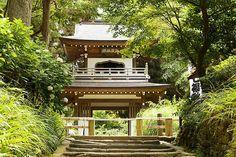 浄智寺 鎌倉五山に数えられるお寺。鎌倉七福神 布袋尊を祀ります。境内の古民家も雰囲気が良い。