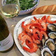 Sydney New Years Eve. Best seafood. Glass of Muscadet helps. #sydney #sydneyfoodshare #sydneyseafood