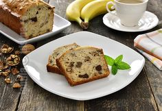 Banana Bread / Chec cu banane – reteta video via Banana Bread Reteta, Make Banana Bread, No Cook Desserts, Sweet Recipes, Food To Make, Easy Meals, Tasty, Sweets, Cooking