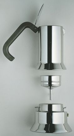 La 9090 di Richard Sapper caffettiera espresso per alessi