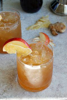 Apple Ginger Smash Ingredients 4 ounces vodka 2 ounces ginger liquor 1 cup apple cider 2 ounces simple syrup (recipe below) freshly grated ginger