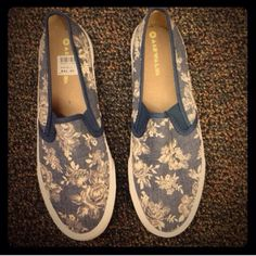 Floral shoes Super cute & comfy floral cotton flat with 1.5 inches sole just worn once for 2 hours then bought myself size 7 ( no trade ) true to size. Shoes Flats & Loafers