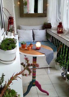 Bieżnik z chwostami - instrukcja Klinika DIY - Klinika DIY Table Decorations, Diy, Furniture, Home Decor, Balcony, Decoration Home, Bricolage, Room Decor, Do It Yourself