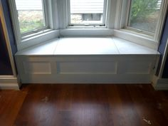 White Wood Bay Window Bench Seat On Brown Laminate Floor In Fascinating Decoration Window Seat Storage, Storage Bench Seating, Bench With Storage, Built In Storage, Corner Storage, Seating Plans, Bench Plans, Diy Storage, Kitchen Storage