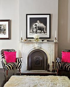 Fuschia Black White Room with Fireplace Home Design, Design Blog, My Living Room, Home And Living, Living Spaces, Black White Rooms, Pink Black, Zebra Chair, Elle Decor