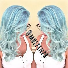 pastel+blue+wavy+hairstyle+with+subtle+highlights+