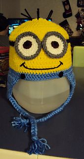 Minion crocheted hat - FREE pattern (here: http://www.ravelry.com/patterns/library/yellow-man-inspired-by-dispicable-me-minion)