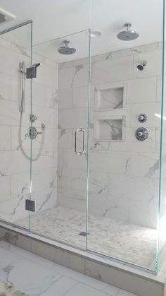 40 Modern Small Master Bathroom Renovation Ideas - Page 21 of 40 Master Bathroom Shower, White Bathroom Tiles, Modern Bathroom, Bathroom Showers, Small Bathroom, 1950s Bathroom, White Bathrooms, Marble Tile Shower, Brown Bathroom