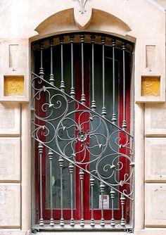 Wire work pattern idea - Barcelona - Sagrera door