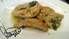 Schultzkrapfen con formaggio grigio, noci, burro fuso,  parmigiano e salvia